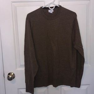 Mens Large Old Navy sweater, camel color.